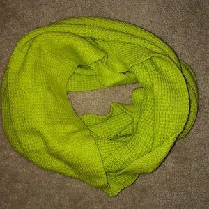 J.Crew EUC green waffle scarf